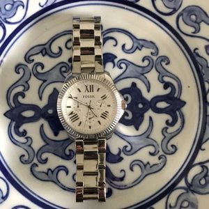 Large face silver Fossil watch!